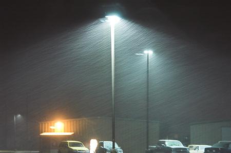 5:45am snow has begun in Dodge City