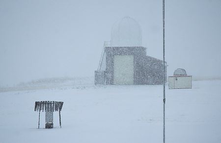 Moderate to heavy snow during the late morning at the Dodge City NWS office